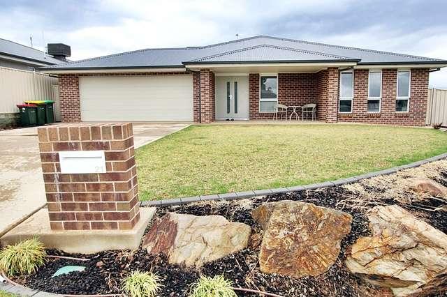 21 Cootamundra Boulevard, Gobbagombalin NSW 2650
