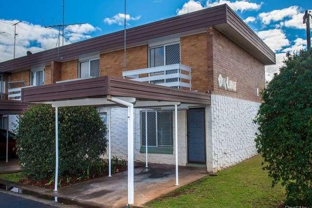 8 & 9/9 Whitefriars Street, Rockville QLD 4350
