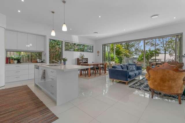 93 Lewin Street, Bardon QLD 4065