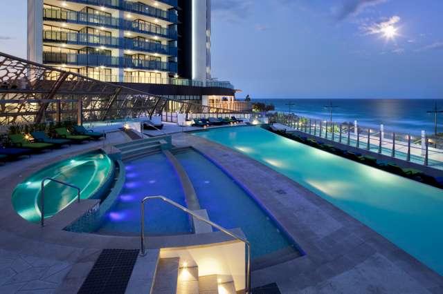 6701/4-14 The Esplanade, Surfers Paradise QLD 4217