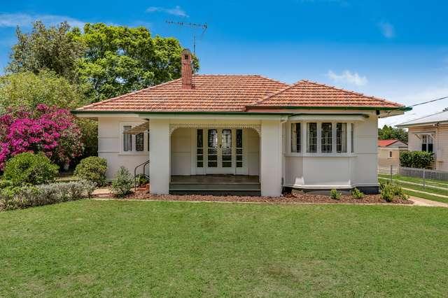 4 Stonehaven Street, Mount Lofty QLD 4350