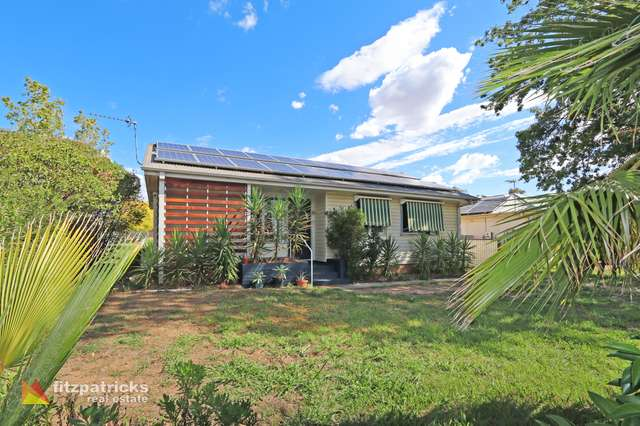 26 McKell Avenue, Mount Austin NSW 2650