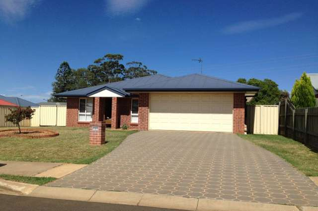 4 Sambar Court, Kearneys Spring QLD 4350