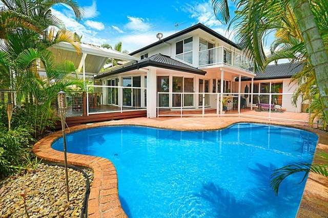 8 Wollundry Place, Mermaid Waters QLD 4218