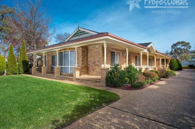 1/2 Plumpton Road, Kooringal NSW 2650