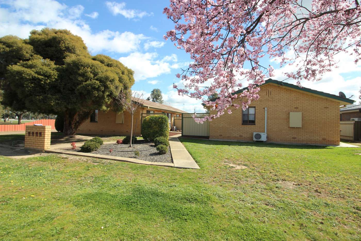 Main view of Homely unit listing, 2/18-20 Vestey Street, Wagga Wagga NSW 2650
