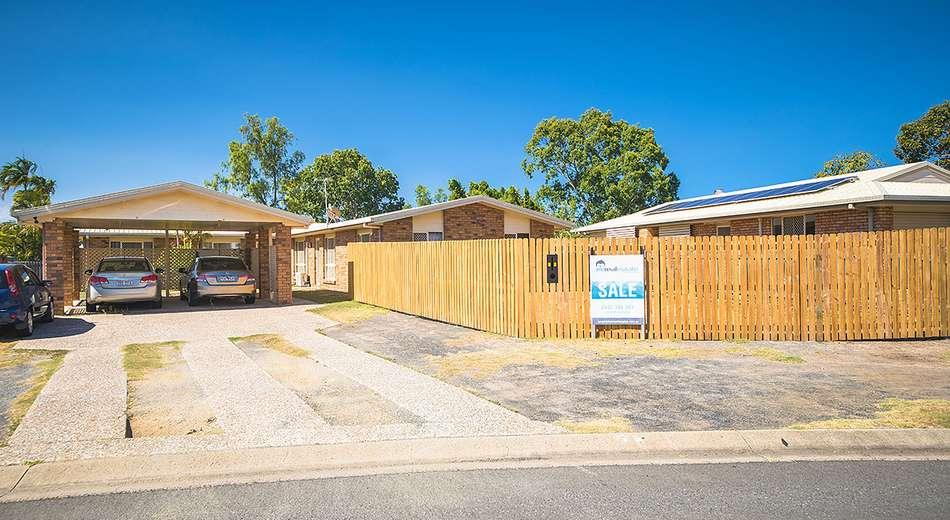 2/3 Dunbavan Place, Norman Gardens QLD 4701