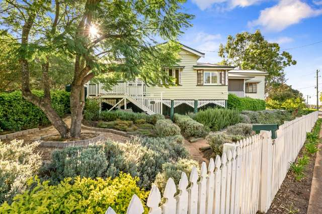 37 Kitchener Street, East Toowoomba QLD 4350