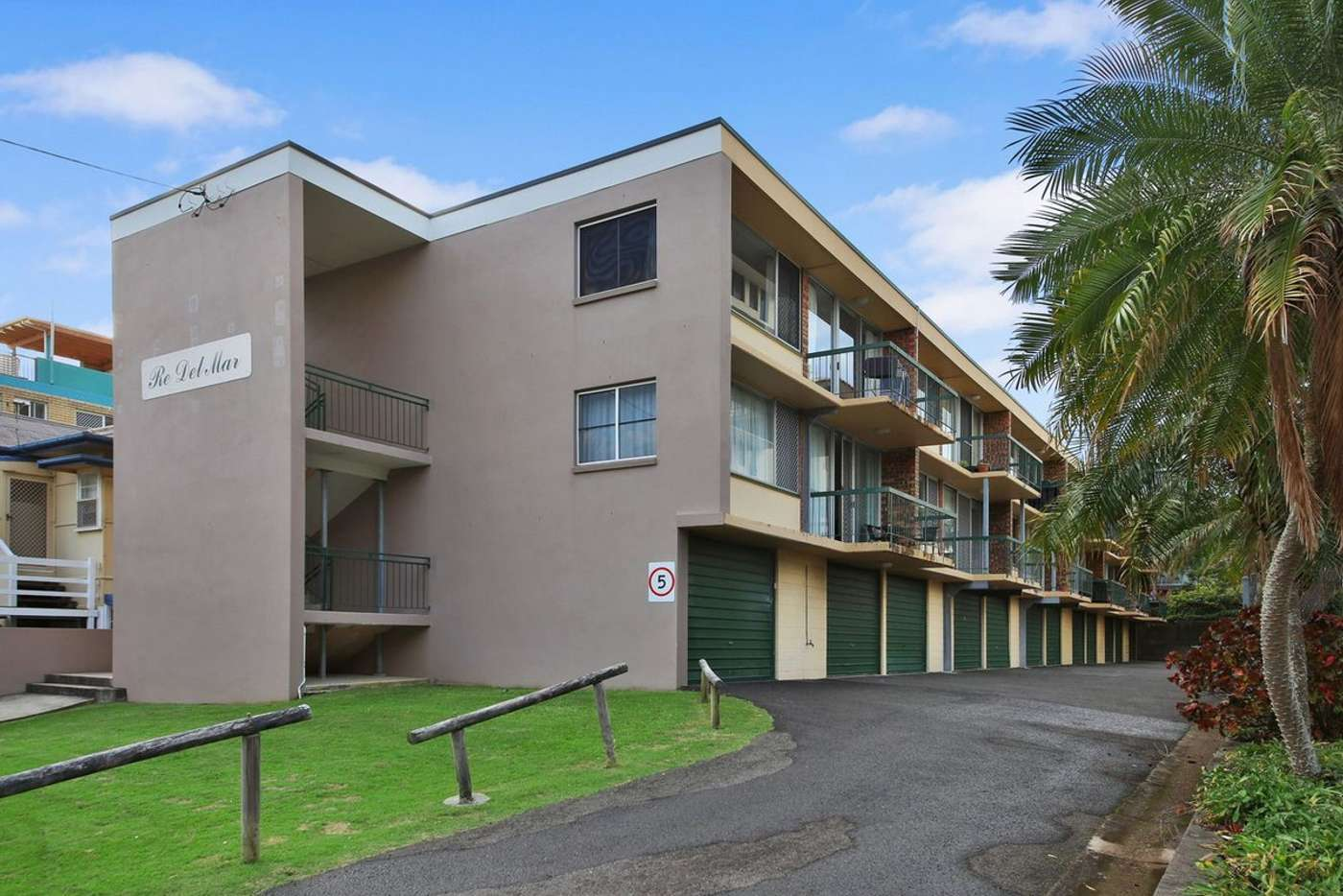 Main view of Homely unit listing, 10/27-29 Burgess Street, Kings Beach QLD 4551