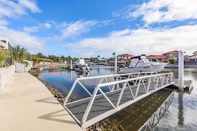 16 Erave Avenue, Runaway Bay QLD 4216