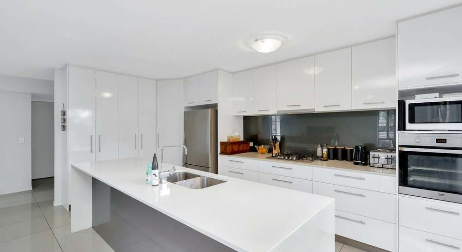 3/3 Hancox Place, Robina QLD 4226