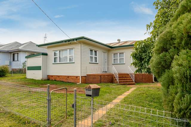 29 Welcombe Avenue, Rockville QLD 4350