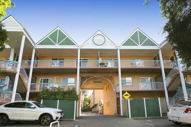 11/15 Whitmore Street, Taringa QLD 4068
