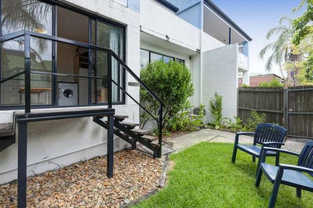 302A/7 Sheehan Street, Milton QLD 4064