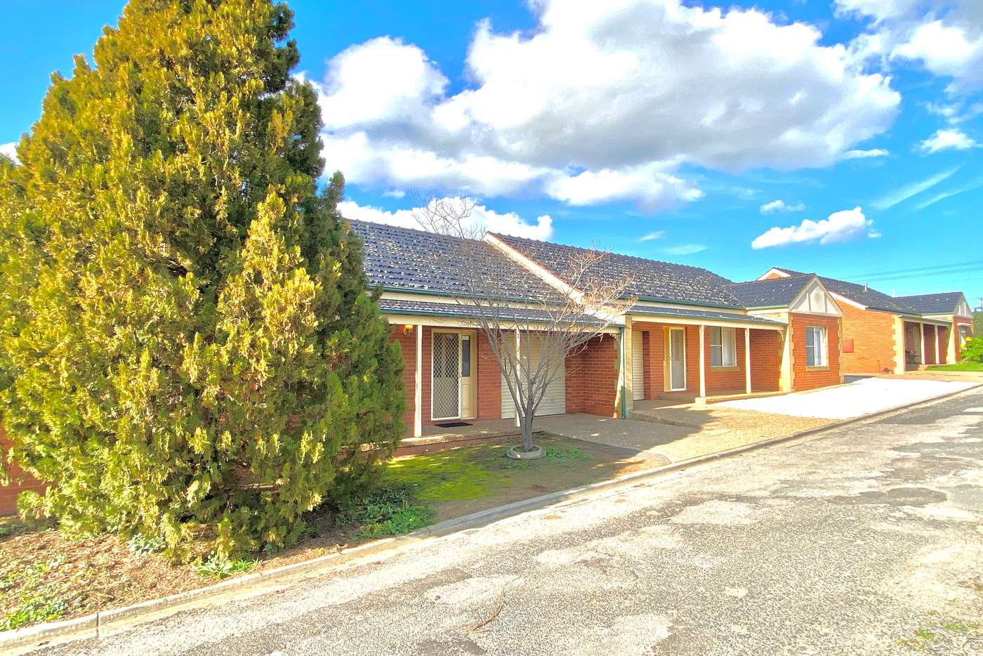 Main view of Homely unit listing, 2/76 Brookong Avenue, Wagga Wagga NSW 2650