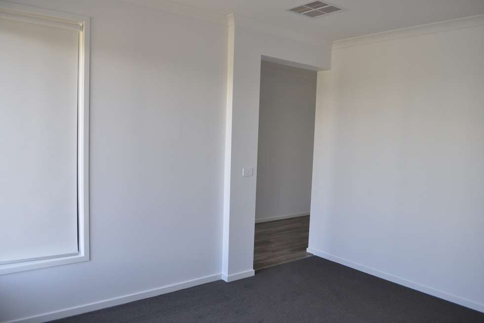 Second view of Homely house listing, 162 Blossom Drive, Greenvale VIC 3059