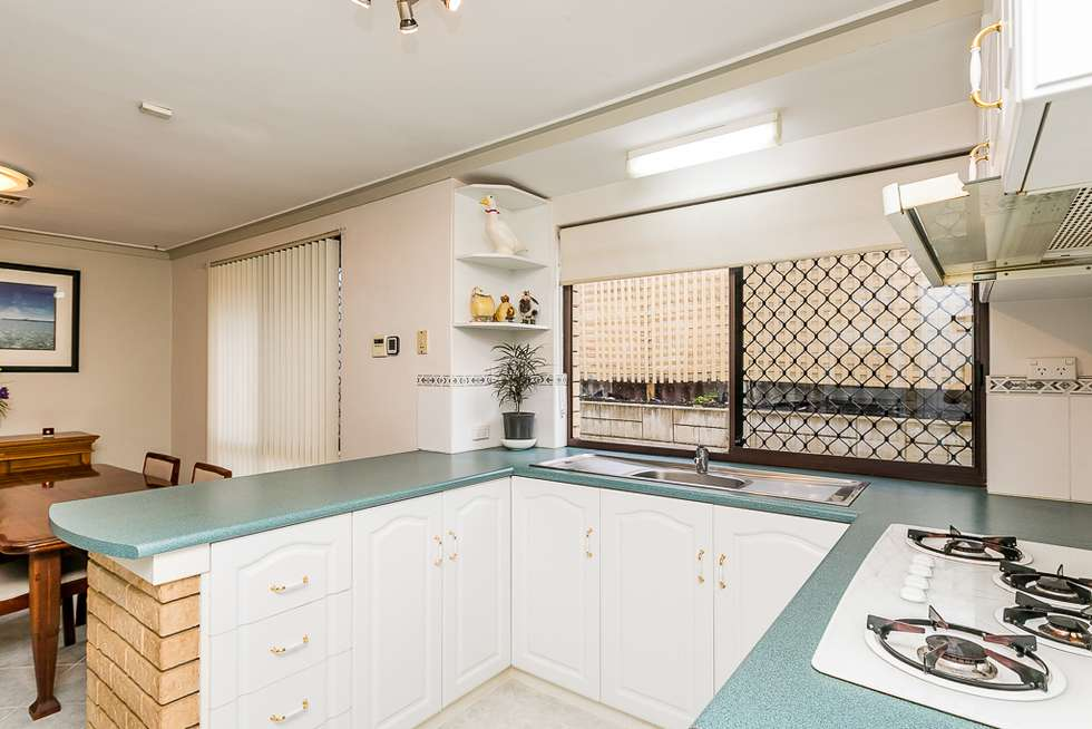Fourth view of Homely house listing, 2 Melo Court, Heathridge WA 6027