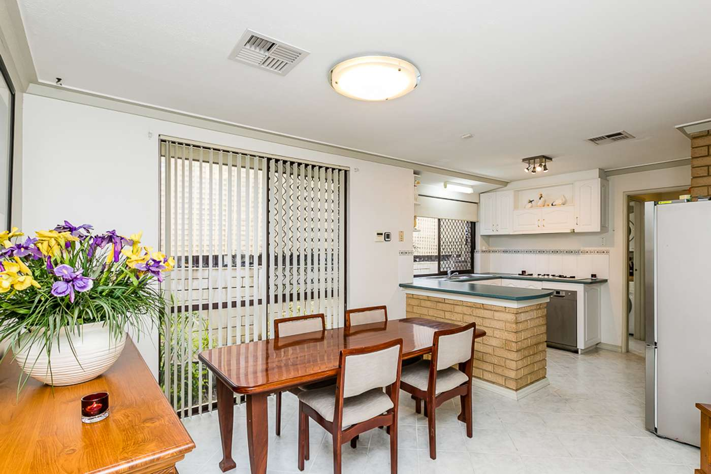 Sixth view of Homely house listing, 2 Melo Court, Heathridge WA 6027