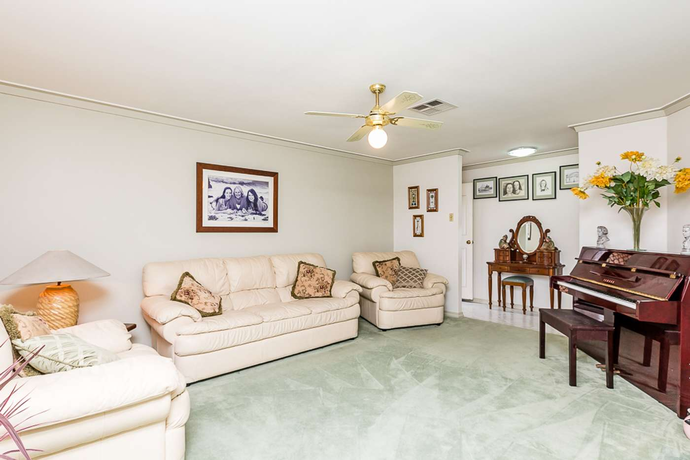 Seventh view of Homely house listing, 2 Melo Court, Heathridge WA 6027