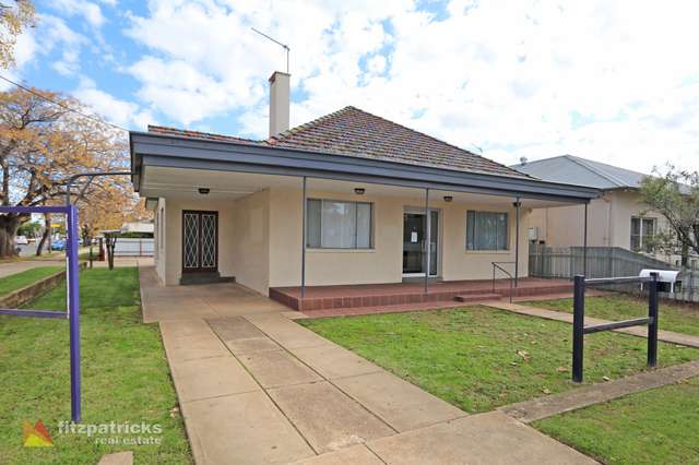 84 Peter Street, Wagga Wagga NSW 2650