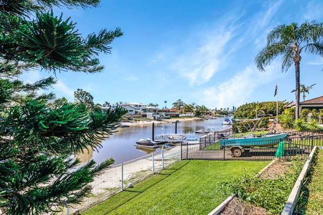15 Cypress Drive West, Broadbeach Waters QLD 4218