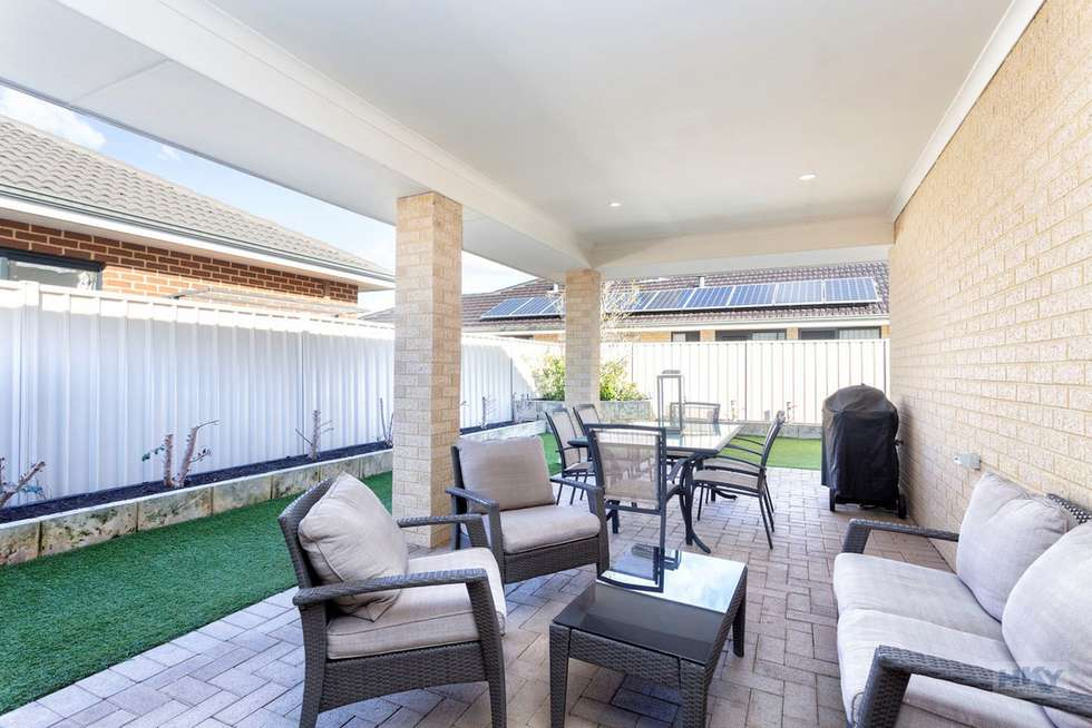 Fourth view of Homely house listing, 6 Millot Vista, Caversham WA 6055
