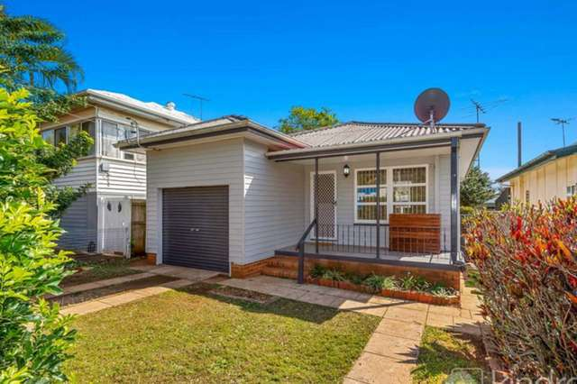 22 James Street, Scarborough QLD 4020