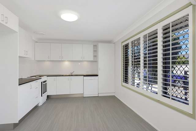1/4 Cotinga Crescent, Burleigh Waters QLD 4220