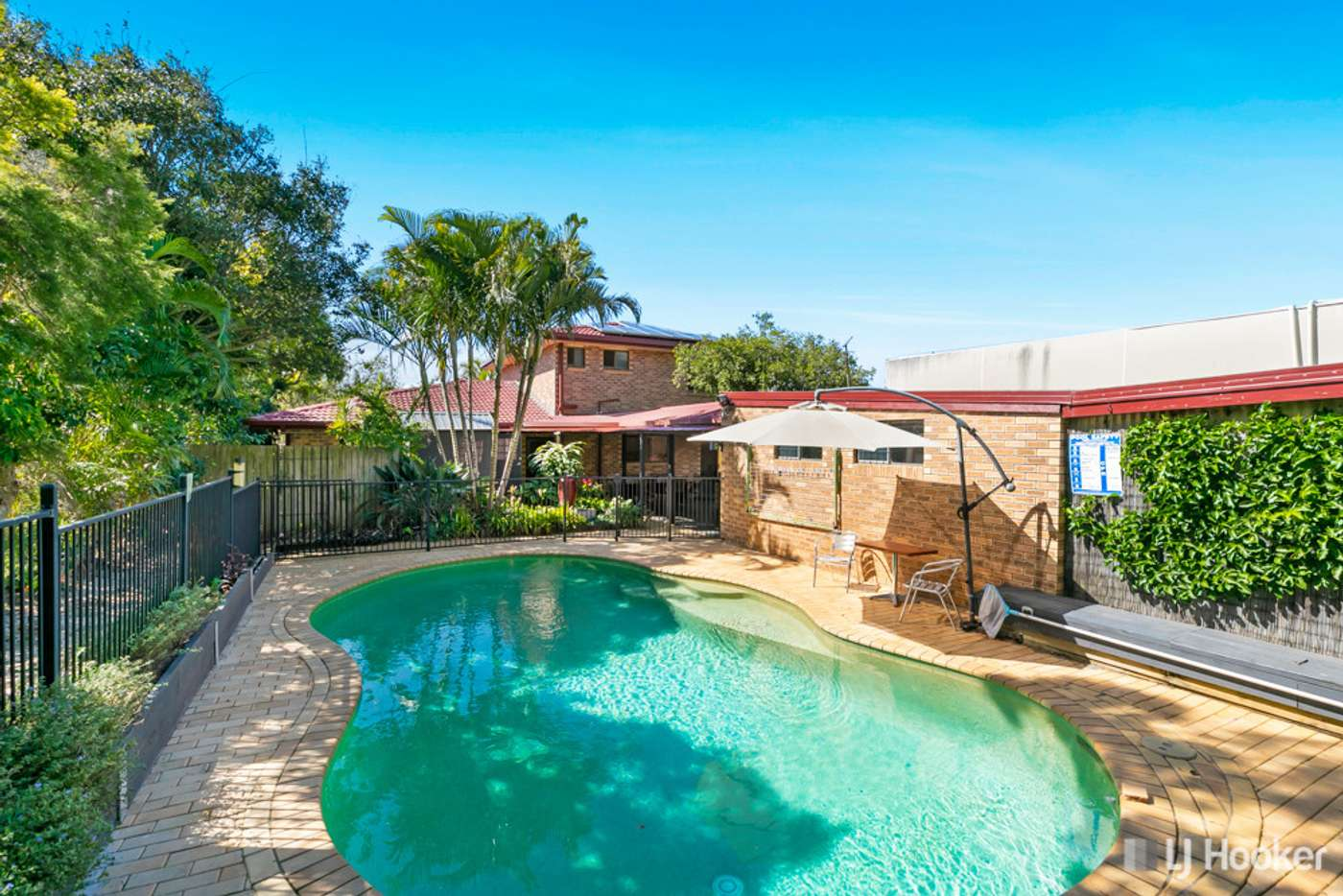 Main view of Homely house listing, 10 Victor Street, Birkdale QLD 4159