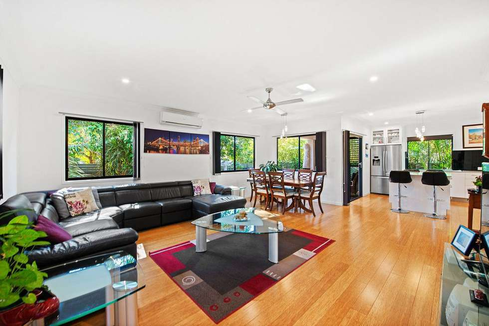 Second view of Homely semiDetached listing, 2/21 Clinton Avenue, Burleigh Waters QLD 4220