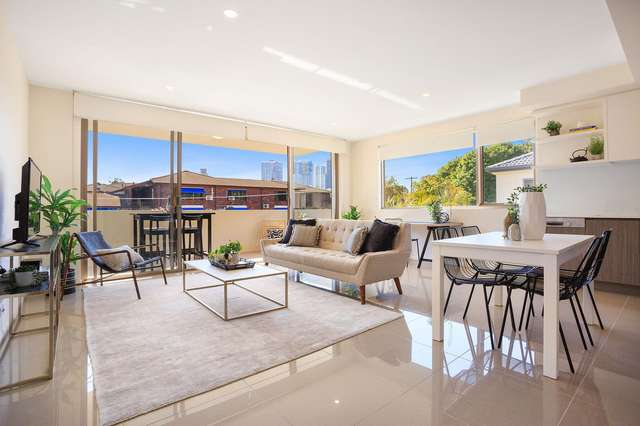 204/5 Chester Terrace, Southport QLD 4215