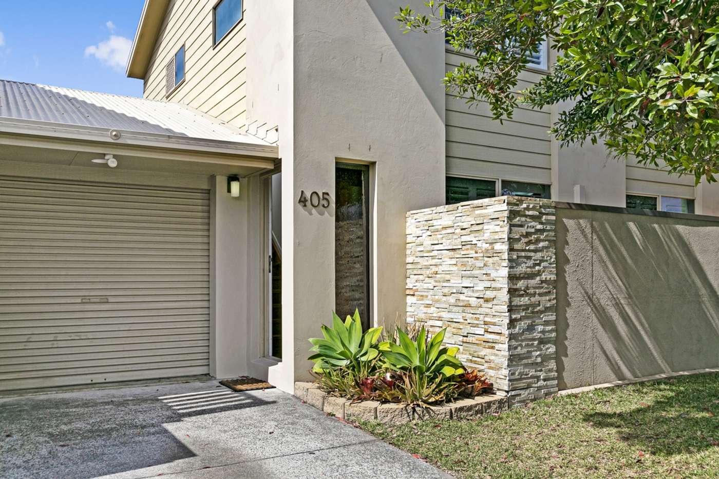 Main view of Homely semiDetached listing, 405 Cypress Terrace North, Palm Beach QLD 4221