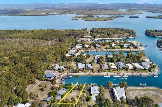 8 Kookaburra Court, South Stradbroke QLD 4216