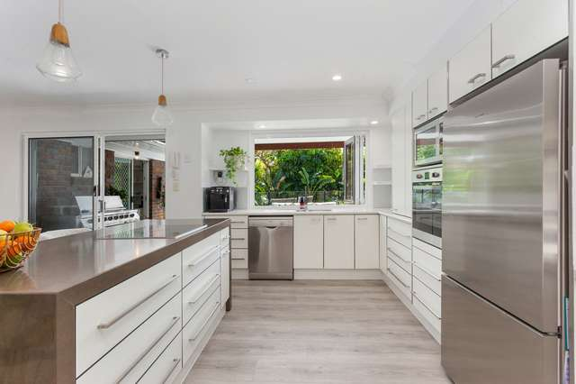 3 Mackay Place, Burleigh Waters QLD 4220