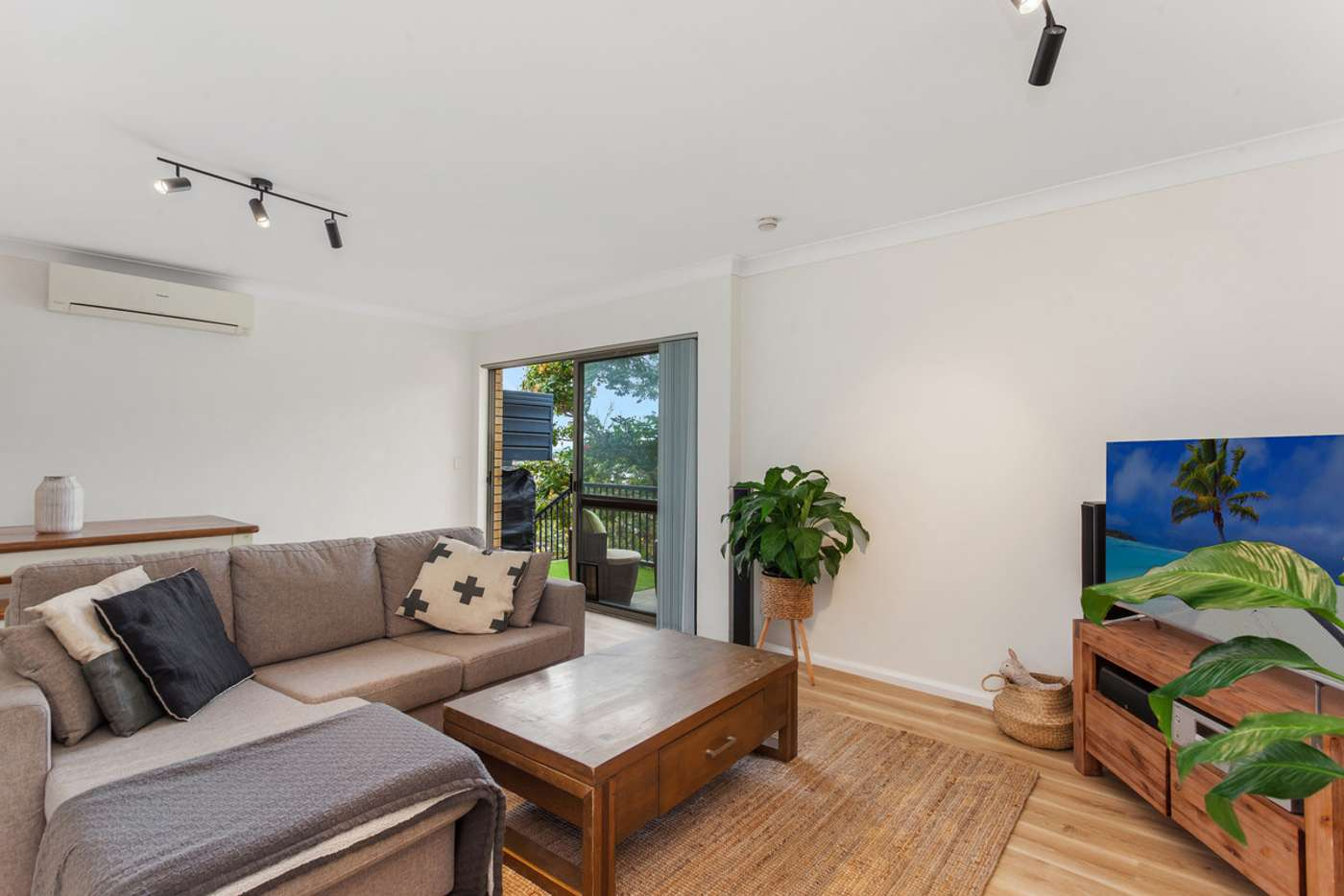 Main view of Homely unit listing, 5/141 George Street West, Burleigh Heads QLD 4220