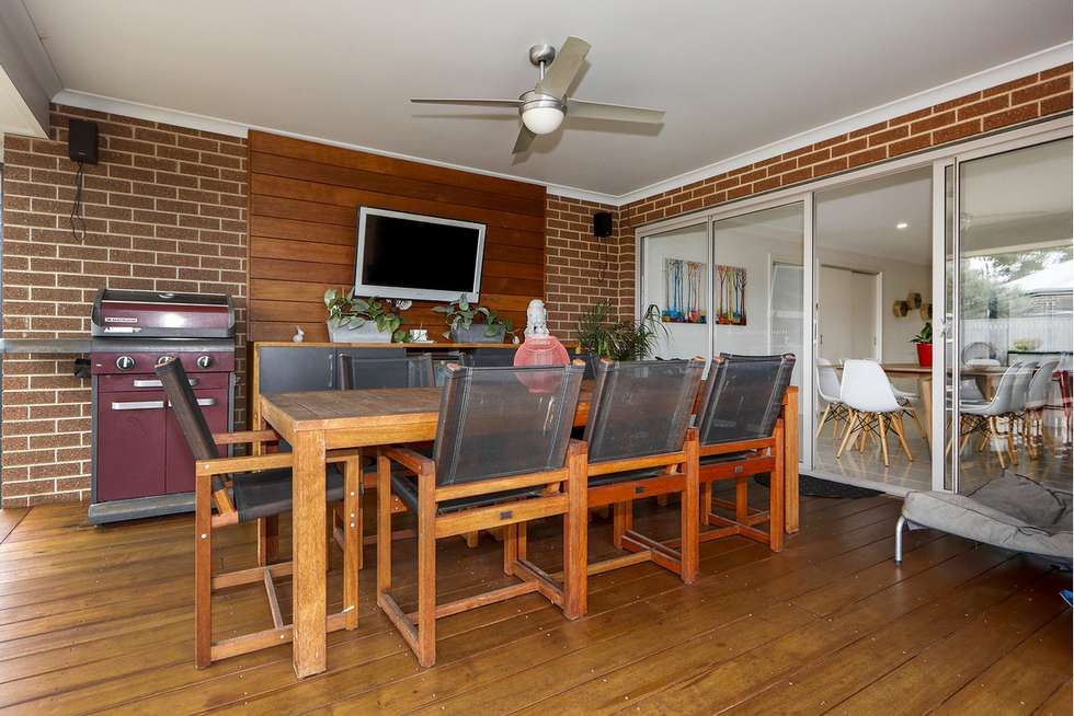 Second view of Homely house listing, 6 Camellia Close, Sale VIC 3850