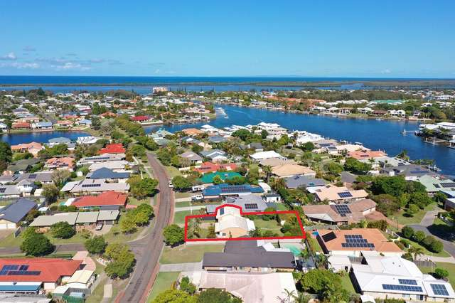 18 Sir Joseph Banks Drive, Pelican Waters QLD 4551