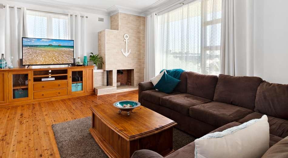 1 Bluebell Street, Belmont NSW 2280