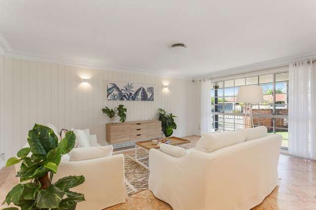 33 Dunlin Drive, Burleigh Waters QLD 4220