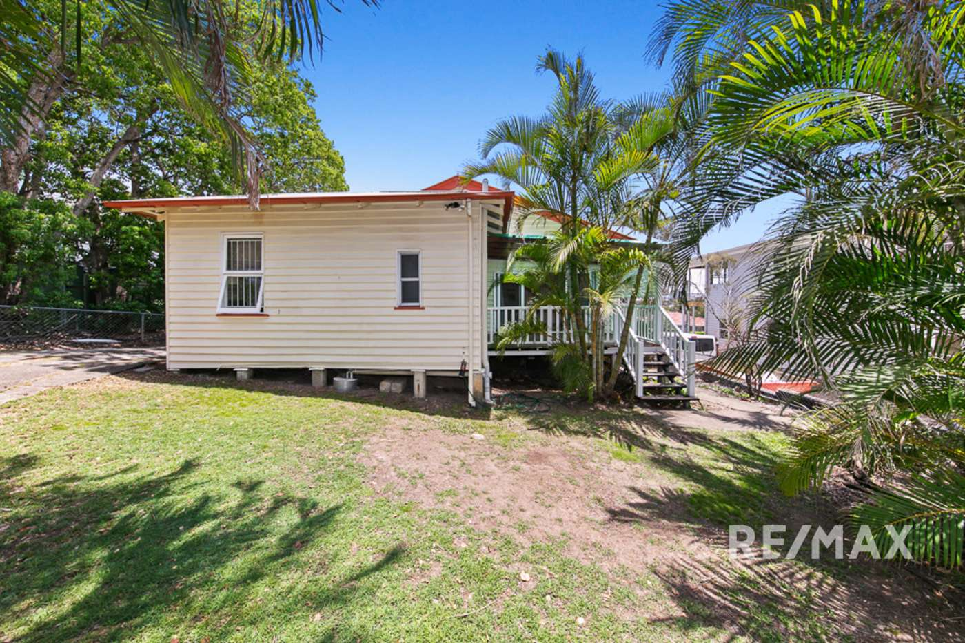Main view of Homely unit listing, 2/24 Smeaton Street, Coorparoo QLD 4151