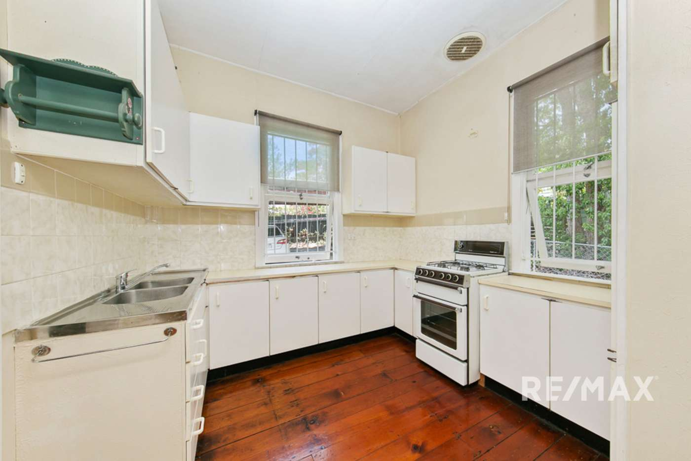 Seventh view of Homely unit listing, 2/24 Smeaton Street, Coorparoo QLD 4151