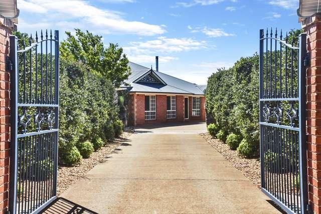 10 Manooka Crescent, Highfields QLD 4352