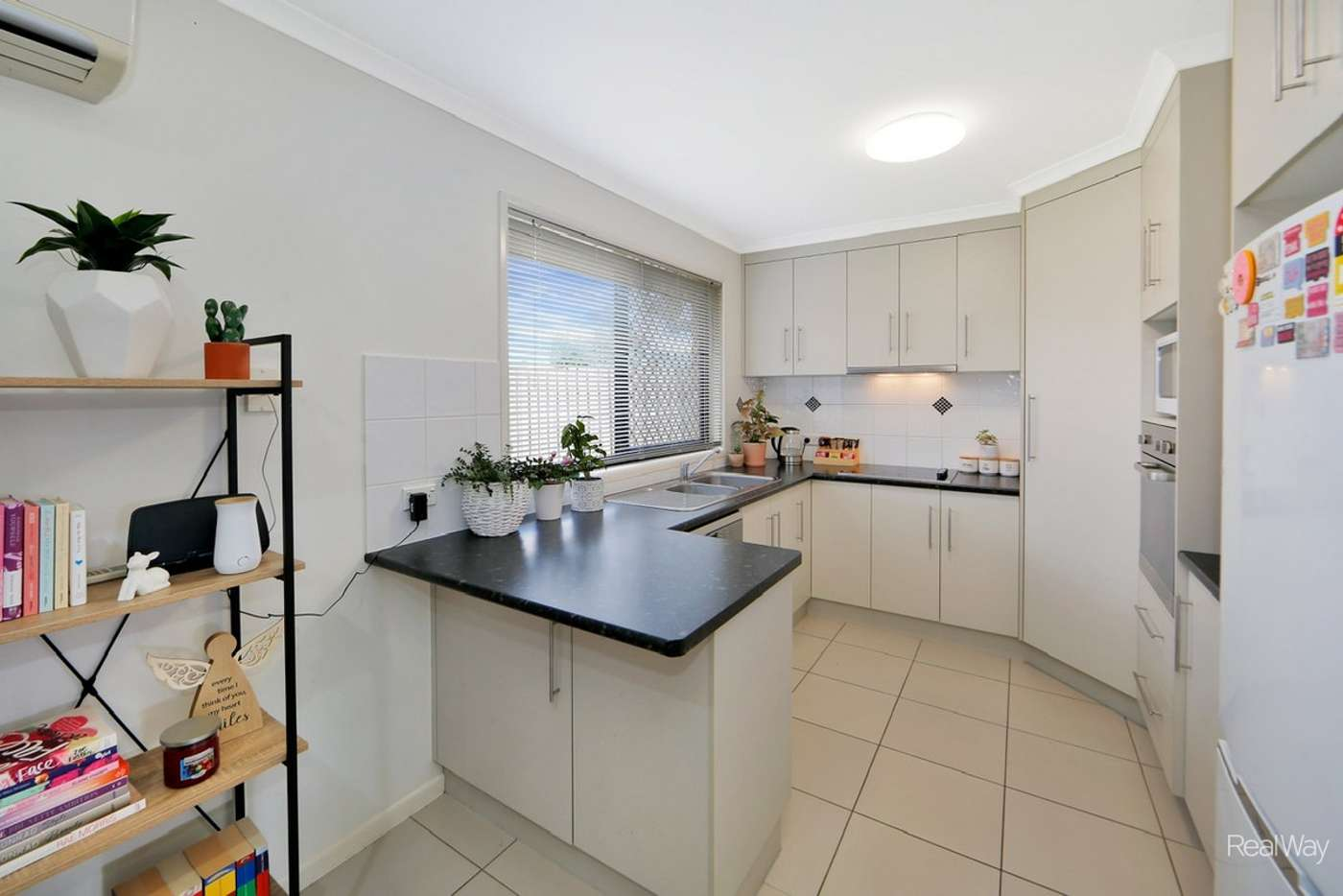 Fifth view of Homely flat listing, 4/16 Cauchi Court, Avoca QLD 4670