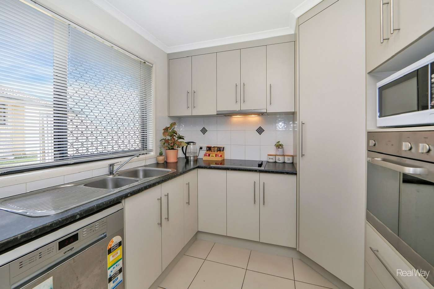 Sixth view of Homely flat listing, 4/16 Cauchi Court, Avoca QLD 4670