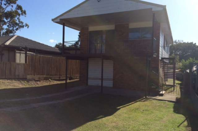 4 Michael Street, Redland Bay QLD 4165