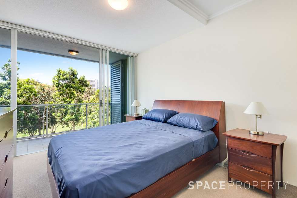 Fourth view of Homely apartment listing, 7088/7 Parkland Boulevard, Brisbane City QLD 4000