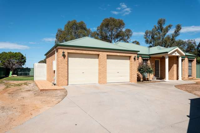 6 William Place, Howlong NSW 2643