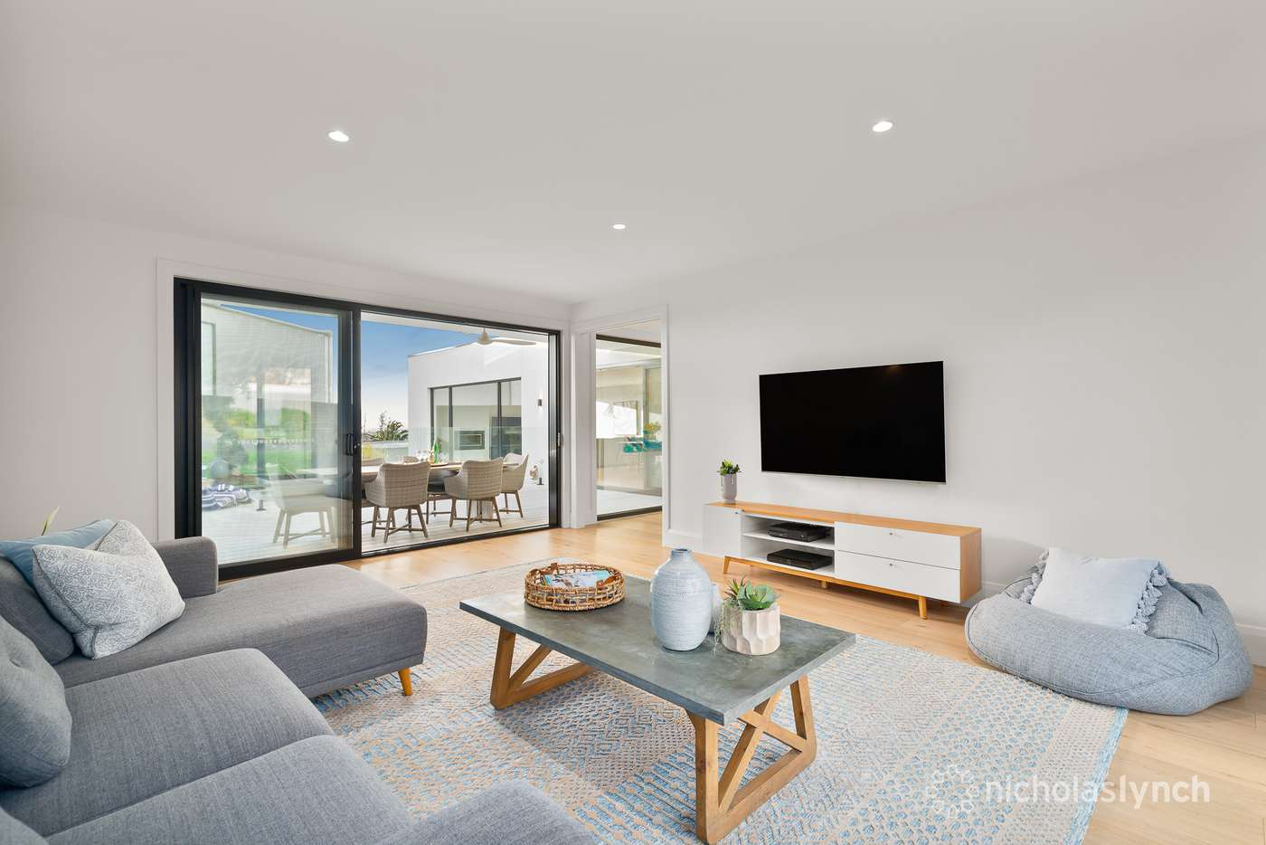 Sixth view of Homely house listing, 1 Koornalla Crescent, Mount Eliza VIC 3930