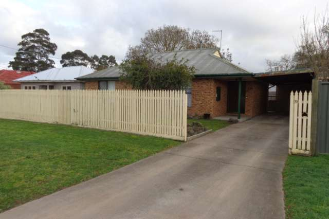 19 Simpson Street, Sale VIC 3850