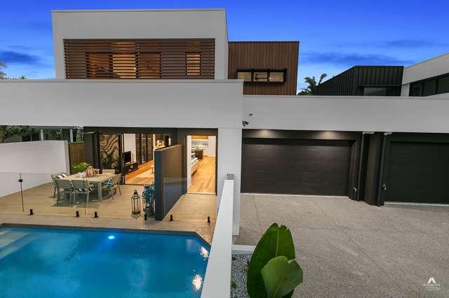 Residence 2/3 Nagari Place, Warana QLD 4575